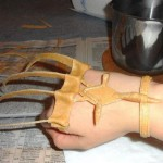 """Adding loops for hand & wrist plus a nice middle peace to connect them, a still uncoated, but very nice """"hand of claws"""" was the result"""