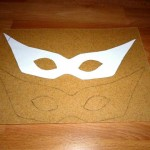 Here you see a stencilled mask & its pattern. After cutting it out it was heated up with a  heat gun