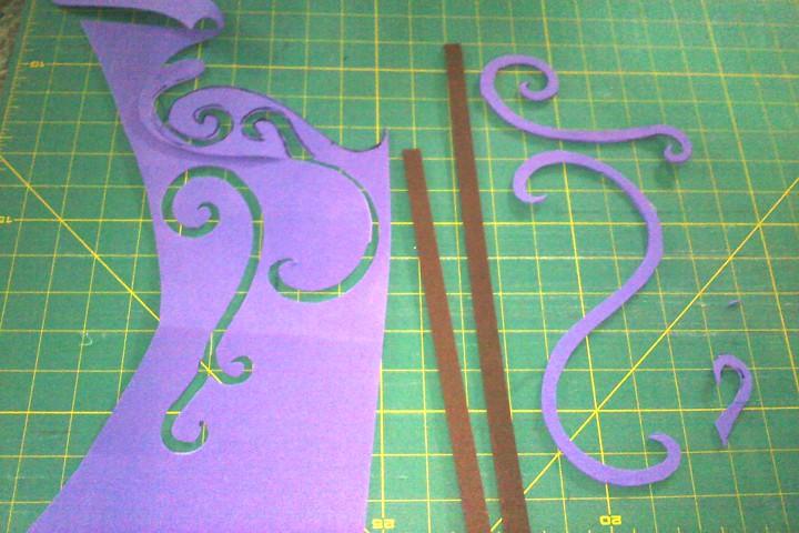 I cut out craft foam details.
