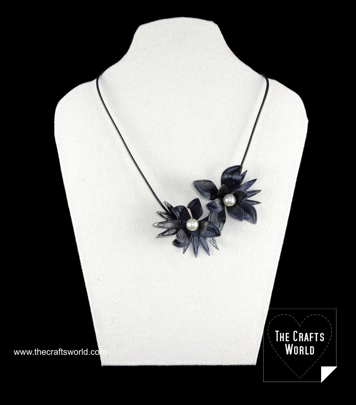 worlba_flowers_necklace