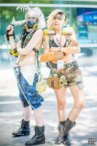 Roadhog: Kuda Cosplay Junkrat: Delphie Cosplay. Photo by  Neeko Cosplay Photography